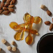 Pack of five almond coffee sugar spoons; also available in cinnamon, gingerbread, salted caramel and vanilla flavours.