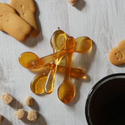 Pack of five gingerbread coffee sugar spoons. Also available in almond, cinnamon, salted caramel and vanilla flavours.